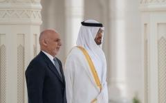 الصورة: محمد بن زايد يستقبل الرئيس الأفغاني