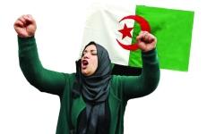 الصورة: الجيش الجزائري يلوّح بالتدخل في الأزمة