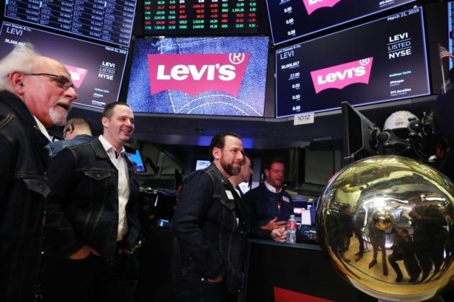 الأسهم العالمية تستوعب قرار الاحتياطي الأمريكي بتثبيت الفائدة style=