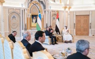 محمد بن زايد ورئيس أوزبكستان يشهدان مراسم تبادل اتفاقيات ومذكرات تفاهم بين البلدين