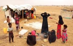 الصورة: الصورة: الحوثي يتسلح بالصمت الأممي في تعطيل الإغاثة