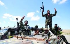 الصورة: الصورة: الجيش الليبي يتقدم عبر 7 محاور في طرابلس