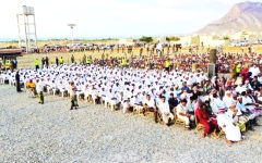 الصورة: الصورة: الإمارات تنظم أعراساً جماعية في 11 محافظة يمنية