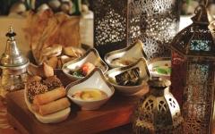 الصورة: الصورة: الغذاء في رمضان..  التوازن وعدم الإفراط يجنبان المخاطر الصحية