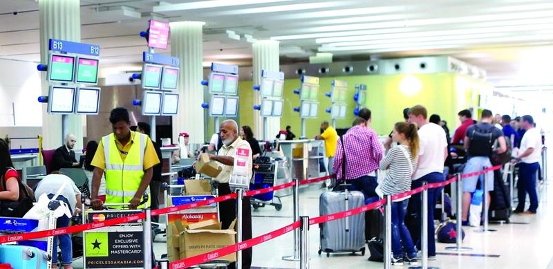 الصورة : Ⅶ 7.41 ملايين مسافر المتوسط الشهري لعملاء مطار دبي الدولي  |  البيان