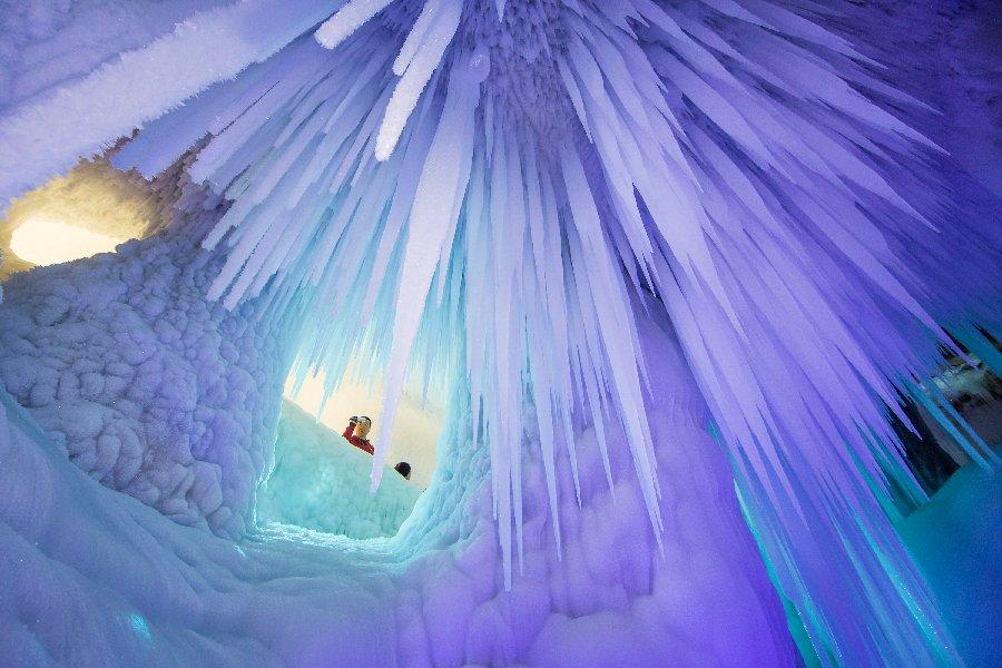 ابداعات كهوف نينغو الجليدية الصين