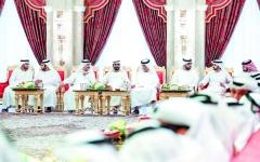 الصورة: الصورة: محمد بن راشد يتبادل تهاني رمضان مع حاكمي أم القيوين ورأس الخيمة