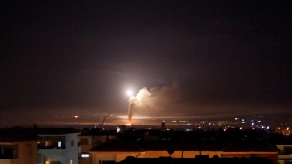 انفجارات عنيفة في دمشق ناجمة عن صواريخ إسرائيلية
