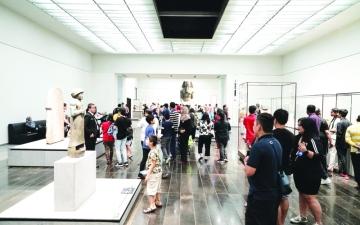 الصورة: الصورة: 10 آلاف زائر لـ«اللوفر أبوظبي»  في  اليوم العالمي للمتاحف