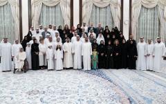 """الصورة: الصورة: محمد بن راشد ومحمد بن زايد يشهدان إطلاق تطبيق """"عضيدك""""المنصة الذكية للأسرة الإماراتية"""