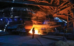 الصورة: الصورة: انهيار شركة الصلب البريطانية وفقدان الآلاف وظائفهم