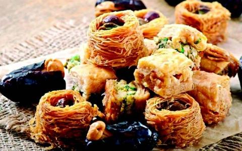 الصورة: الصورة: انتبه.. عادات غذائية تزيد الوزن خلال رمضان