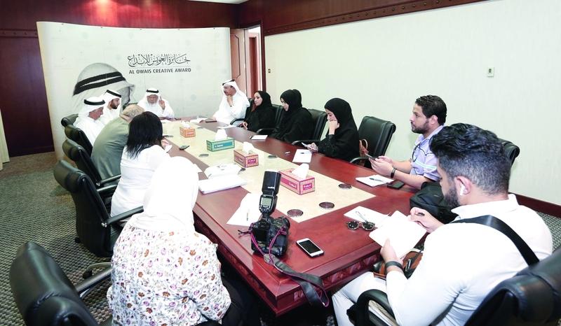 الصورة : Ⅶ بلال البدور خلال المؤتمر الصحافي بندوة الثقافة والعلوم | البيان