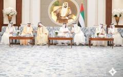 الصورة: الصورة: محمد بن راشد ومحمد بن زايد يستقبلان حكام الإمارات بمناسبة عيد الفطر