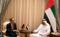 الصورة: الصورة: محمد بن زايد يستقبل وزير الخارجية الألماني