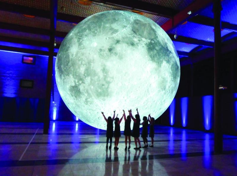 "Résultat de recherche d'images pour ""معرض ""القمر: رحلة عبر الزمن"""""
