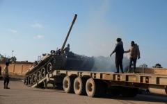 الصورة: الصورة: «الكرامة» تتوغل في طرابلس ودعوات إلى هدنة إنسانية