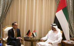 الصورة: الصورة: محمد بن زايد ووزير الخارجية الألماني يبحثان تطورات المنطقة