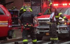 الصورة: الصورة: قتيل بتحطم مروحية في مانهاتن