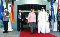 الصورة: الصورة: محمد بن زايد وميركل: استقرار المنطقة استراتيجي للعالم