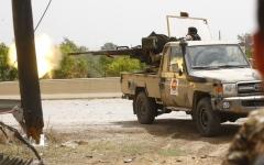 الصورة: الصورة: مصادر لـ«البيان»: الميليشيات تستعد للإطاحة بالسراج