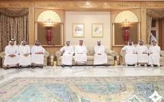 الصورة: الصورة: محمد بن زايد والشيوخ يقدمون واجب العزاء في وفاة الشيخ منصور بن أحمد بن علي آل ثاني