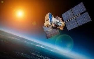 """الإمارات تطلق القمر الصناعي """"عين الصقر"""" يوليو المقبل"""