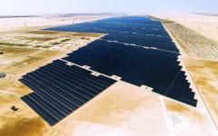 الصورة: الصورة: بدء تشغيل «نور أبوظبي» أكبر محطة مستقلة للطاقة الشمسية في العالم