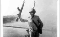الصورة: الصورة: وفاة محمد العباسي أول من رفع علم مصر فوق خط بارليف فى حرب أكتوبر 1973