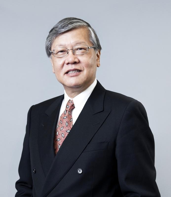 الصورة : أندرو شنغ زميل متميز في معهد آسيا العالمي بجامعة هونغ كونغ وعضو في المجلس الاستشاري لبرنامج الأمم المتحدة للبيئة بشأن التمويل المستدام.