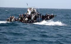 الصورة: الصورة: فقدان 80 مهاجراً قبالة السواحل التونسية