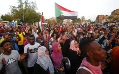 الصورة: الصورة: الإمارات: نقف مع السودان في العُسر واليسر