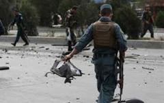 الصورة: الصورة: مقتل 8 من أفراد الأمن وإصابة 50 مدنياً في تفجير بأفغانستان