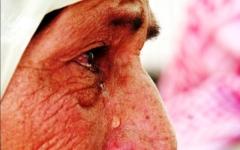 الصورة: الصورة: أوهموها بموت أهلها لتخدمهم مدى الحياة