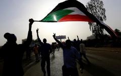 الصورة: الصورة: قيادي بـ«الأمة»: الإمارات وفّقت بين السودانيين