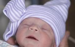 الصورة: الصورة: ولادة طفلة من رحم سيدة متوفاة