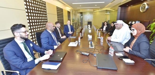 مكتب دبي للتنافسية يبحث التعاون مع ميرسر في تعزيز جودة الحياة