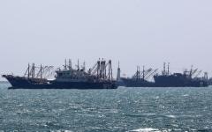 """الصورة: الصورة: مصدر مسؤول: ناقلة النفط """"MT RIAH"""" غير مملوكة للإمارات"""