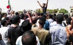 الصورة: الصورة: تأجيل جلسة  التفاوض بين المجلس العسكري و«التغيير»