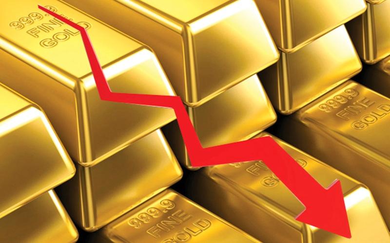 الصورة: الصورة: الذهب يتخلى عن ذروة 6 سنوات