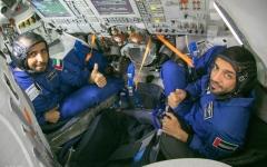 الصورة: الصورة: «يوميات فضائية».. أبحاث ورياضة وصيانة
