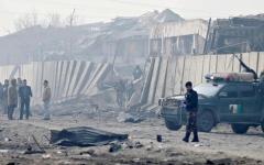 الصورة: الصورة: 34 قتيلاً  في انفجار قنبلة تحت حافلة في أفغانستان
