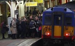 الصورة: الصورة: إغلاق محطة مترو في لندن بسبب الازدحام