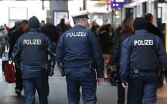 الصورة: الصورة: إغلاق محطة القطارات الرئيسية في فرانكفورت بسبب عملية أمنية