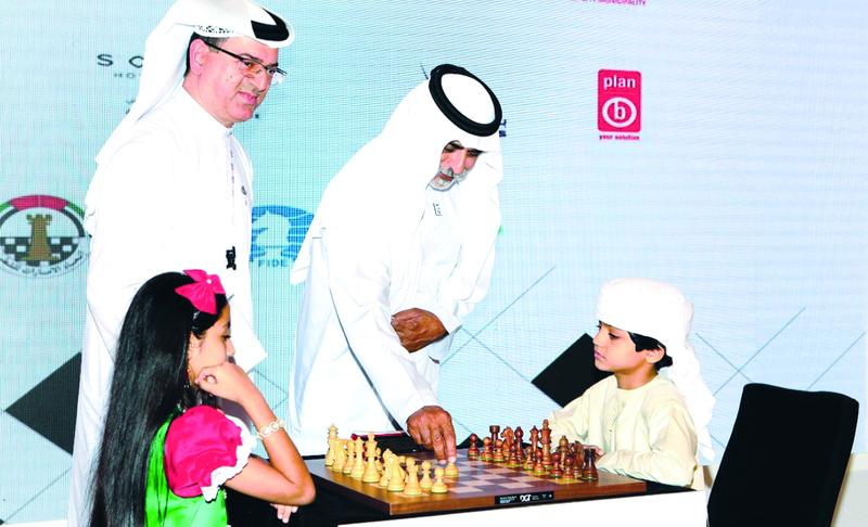 الصورة : نهيان بن مبارك يفتتح مهرجان أبوظبي الدولي للشطرنج  |  البيان