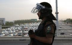 الصورة: الصورة: أمن الحج يعيد 9915 شخصًا لايحملون تصاريح