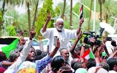 الصورة: الصورة: السودان يطوي 30 عاماً من حكم «الإخوان»