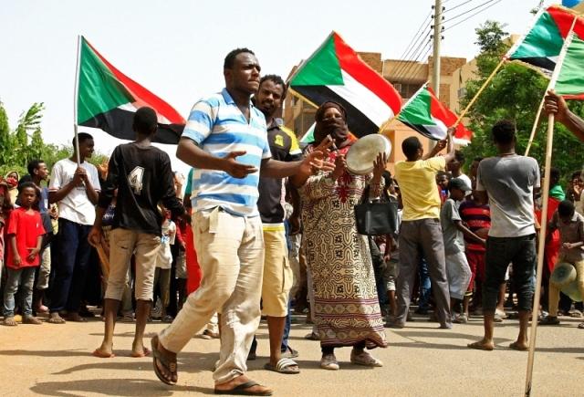 الإمارات: «الدستوري» حجر الزاوية لتقدّم السودان - البيان