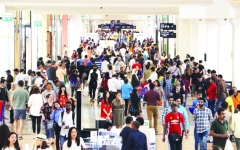 الصورة: الصورة: مراكز التسوق تتأهب لاستقبال زوار العيد