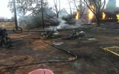 الصورة: الصورة: (فيديو) كارثة في تنزانيا.. مقتل 64 شخصاً وإصابة 70 في انفجار شاحنة صهريج